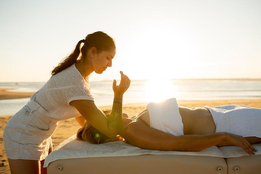 Un massage d'Alexia Bouyer pour vous relaxer